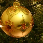 800px-Christmas_tree_bauble